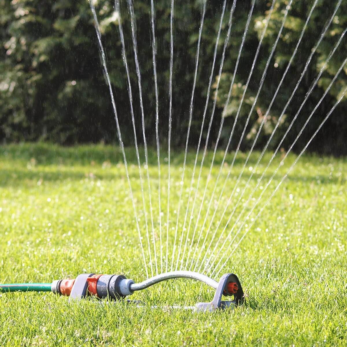 Az öntözőrendszer gondoskodik arról, hogy kerted növényei hidratáltak maradjanak, mely egy központi vezérlő által automatizálható.